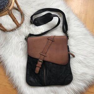 Vintage Addiction crossbody leather bag